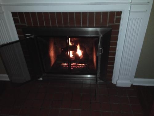 Bonfire at Jodi and Brett's (Feb 2015)